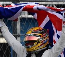 Campeão, Hamilton elogia fãs mexicanos e agradece à Mercedes