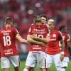 Inter bate o Vitória de virada no Beira-Rio
