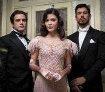 'Espelho da Vida': Júlia se desespera ao descobrir que espera filho de Danilo
