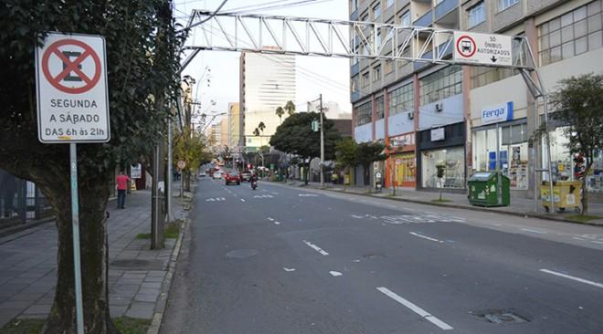 SMTTM fará simulação para testar viabilidade de estacionamento na rua Sinimbu nos fins de semana