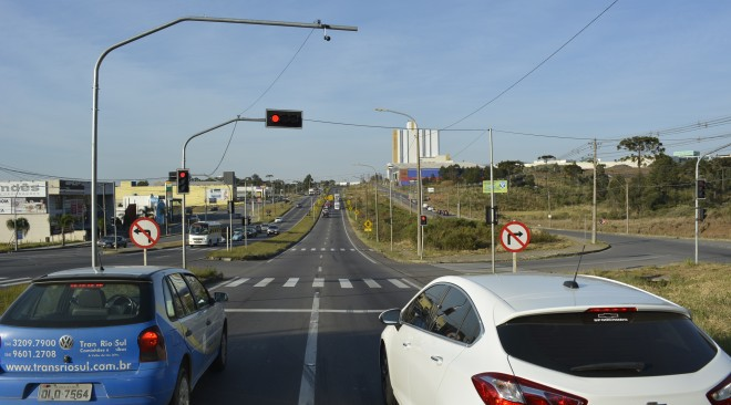 SMTTM inicia teste de sistema de semáforos inteligentes com acompanhamento em tempo real