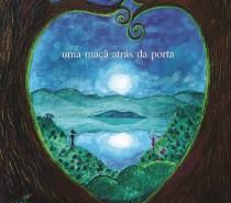 Escritora Suzana Webber Alves autografa seu primeiro romance, Skroktifuf – Uma maçã atrás da porta