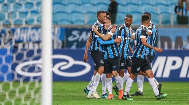 BRASILEIRÃO No retorno ao Brasileiro, Grêmio vence o Vasco na Arena de virada