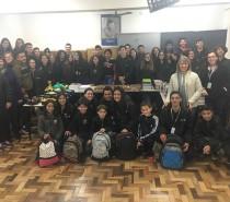 Fundação Marcopolo faz entrega de materiais escolares  do Projeto Escolas