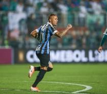 Grêmio reverte, vence o Palmeiras e está nas semifinais da Libertadores