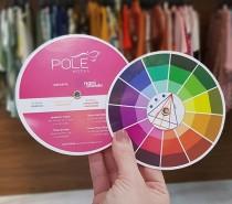 """Pole Modas lança coleção primavera com o tema """"Vejo cores em você"""" e promove miniencontros com dicas sobre o uso do círculo cromático"""