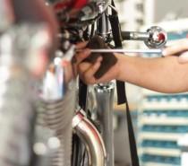 MAREMOTO CENTER dica: Como cuidar da sua moto. Dicas sobre freios, pneus, motor, correntes, óleo, bateria e carenagens.