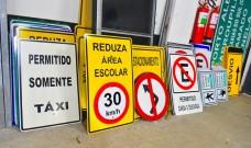 SMTTM instala ou substitui mais de 2,6 mil placas de trânsito