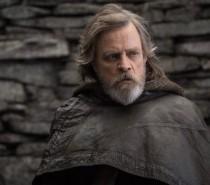 Star Wars: Os Últimos Jedi | Rian Johnson revela o motivo de Luke ter usado o sabre de luz azul