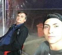 Notícias ao Minuto Filho de Jair Bolsonaro, 'Bolsokid' joga LoL e faz vídeos por até 6h
