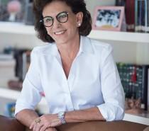Anna Mariano realiza lançamento de novo livro com recital de poemas e renda revertida para Centro Municipal de Cultura