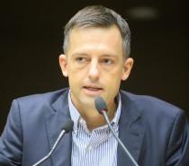 Secretário Bruno Vanuzzi palestra em reunião-almoço da CIC