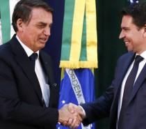 Alexandre de Moraes suspende nomeação de Ramagem para diretor-geral da PF