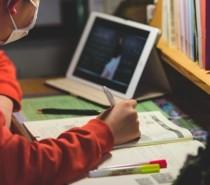 Pandemia influencia novo formato de estudos para crianças