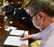 Prefeito Cassina assina contratos e início de obras do Samae na ordem de R$ 29 milhões