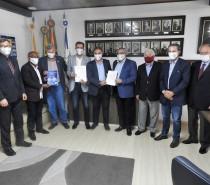 SIMECS recebe candidatos à Prefeitura de Caxias do Sul