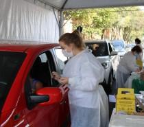2.982 idosos de 60 anos ou mais fizeram a primeira dose da vacina contra covid-19 neste sábado