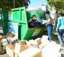 Meio Ambiente /  Drive de coleta recolheu 1,7 tonelada de resíduos