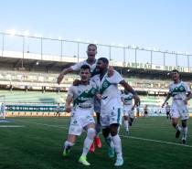 Esporte / Juventude faz 3 x 0 no Santos e sobe na tabela da Série A