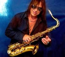 Beto Saroldi, um dos maiores saxofonistas do Brasil na atualidade, é o convidado do Resenha Pop desta quarta-feira