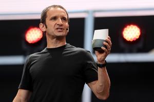 Mário Queiroz: VP global de produtos do Google apresentando o alto-falante inteligente Google Home