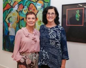 A consultora de arte Claudete Matias recebe a artista Beatriz Balen Susin para um bate-papo sobre processos criativos, na Cubo Galeria de Arte Contemporânea, dia 14 de agosto// Crédito: Fabio Campelo